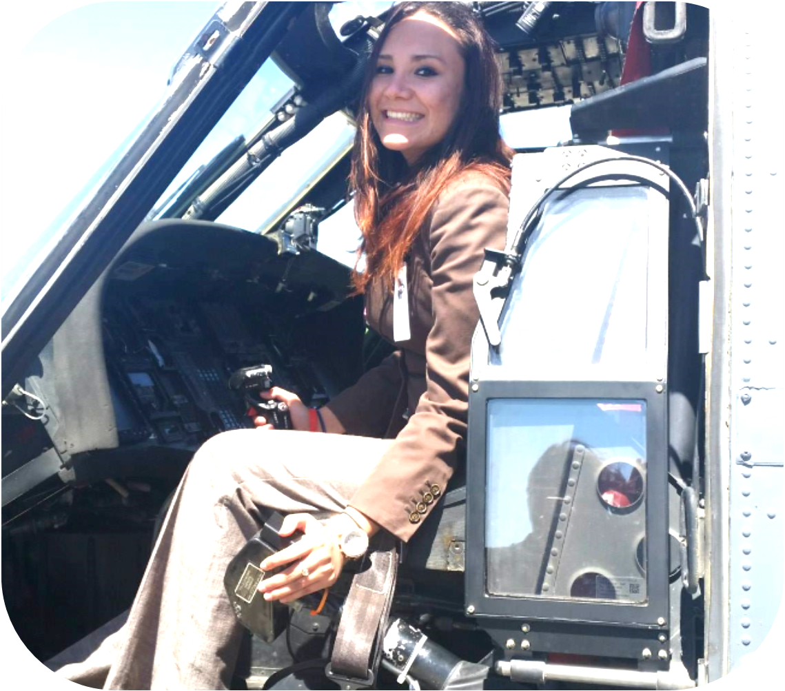 Photo of Angélica in helicopter